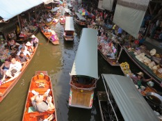 The floating market from above